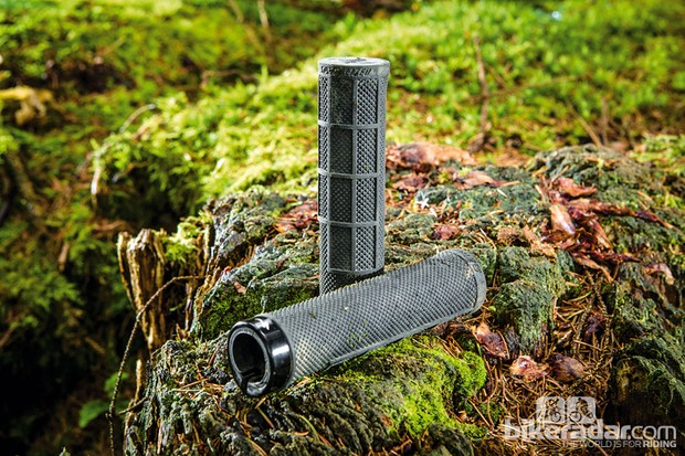 Specialized SIP lock-on grips