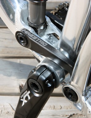 The internally routed cables make a brief appearance down by the bottom bracket. Unfortunately, Giant did not include ISCG tabs on the new Trance X 29er