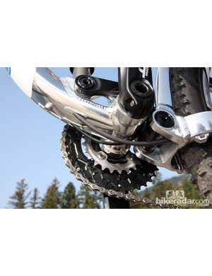 Not surprisingly, Giant again uses a press-fit bottom bracket design for the new Trance X 29er