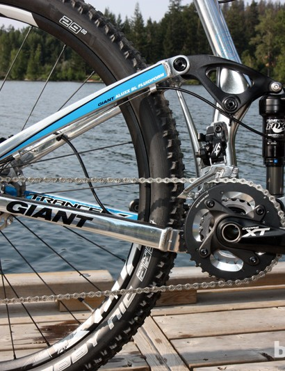 The Giant Trance X 29er 0 is the top-end model for most of the world with a Shimano Deore XT 2x10 drivetrain and Fox suspension. The Australian market will get a more cross-country oriented Trance X 29er 00 model, however, which will come with a SRAM XX group and RockShox suspension