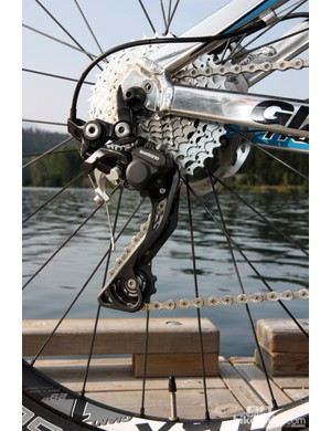 Giant has wisely included the Shadow Plus version of Shimano's Deore XT rear derailleur for the new Trance X 29er 0. The one-way friction clutch on the pulley cage virtually eliminates chain slap and improves chain security albeit at the expense of shift lever effort