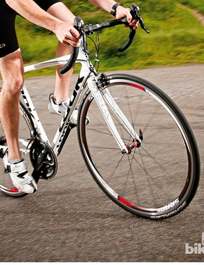The Look 586 is an ideal sportive machine, balancing speed and comfort perfectly