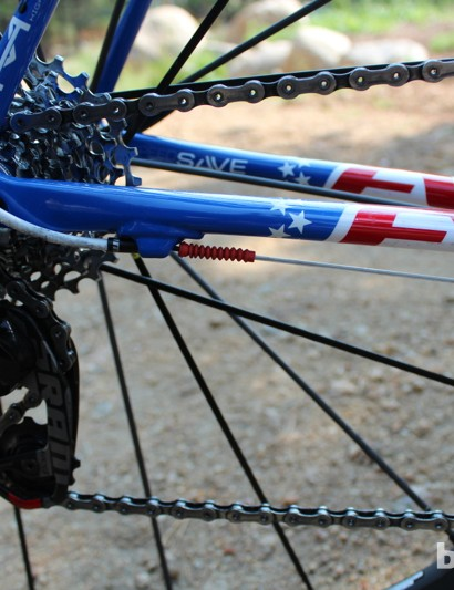 Even the housing and grub seals match the bike's red, white and blue theme