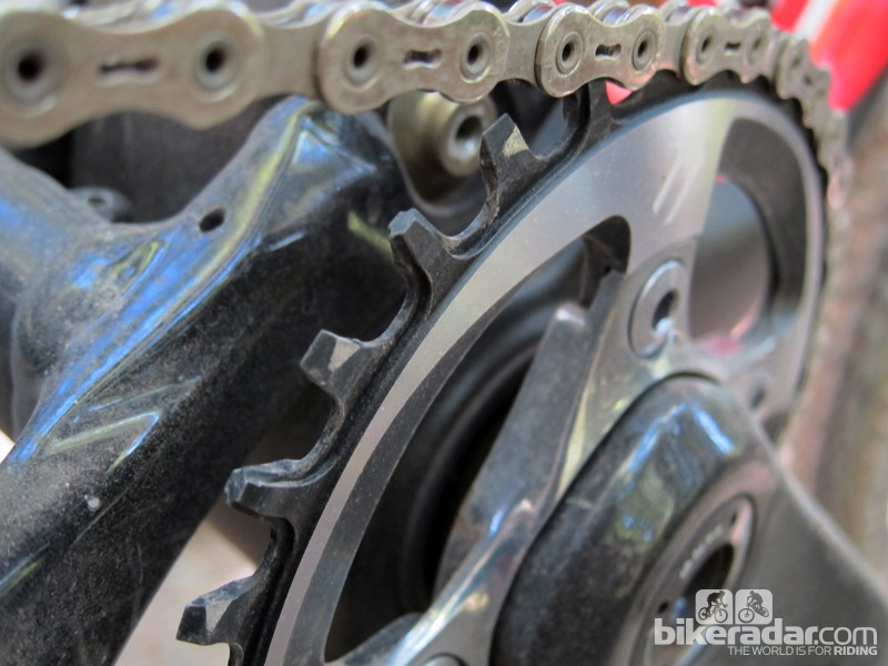 The synchronized teeth mesh perfectly with the new SRAM PC-XX1 chain and they're also extra tall for secure retention. In most cases, SRAM claims no guide is needed and our initial test ride seems to support that