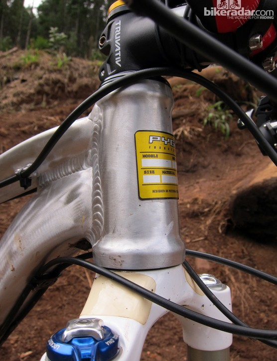 The PYGA OneTen29 features a tapered head tube