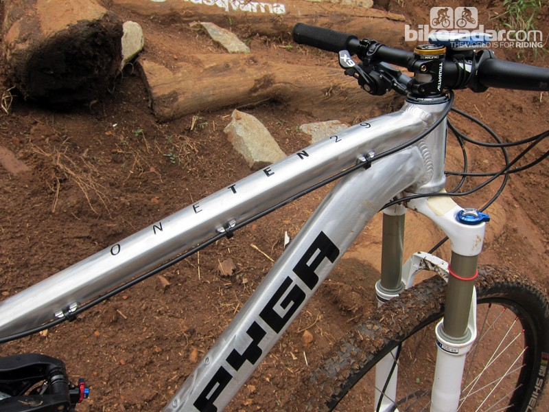 The hydroformed aluminum tubing is extensively shaped throughout the PYGA OneTen29 frame