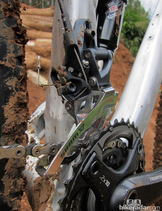 A direct-mount front derailleur affords more freedom in shaping the seat tube