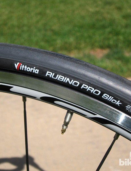 The standard Vittoria Rubino Pro Slick tires are noticeably slow-rolling. Cervélo will switch to more supple Vittoria Diamante Pro Light for next year