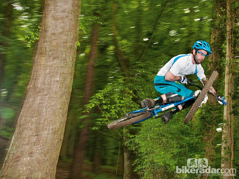 The Stanton Slackline is an aggressive steel hardtail that's scared of nothing
