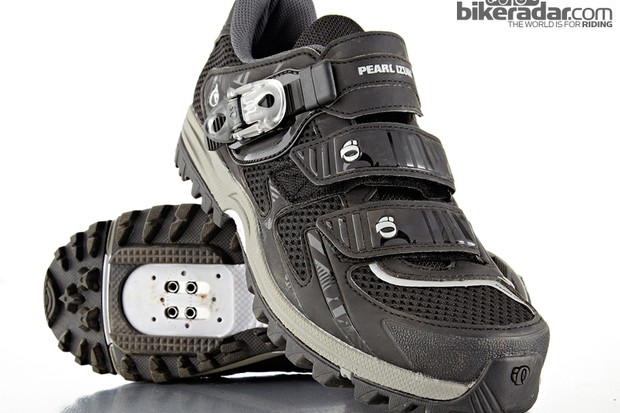 The Pearl Izumi X-Alp Enduro III shoes are more hike than bike in style