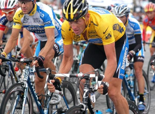 Lance Armstrong won't fight USADA charges