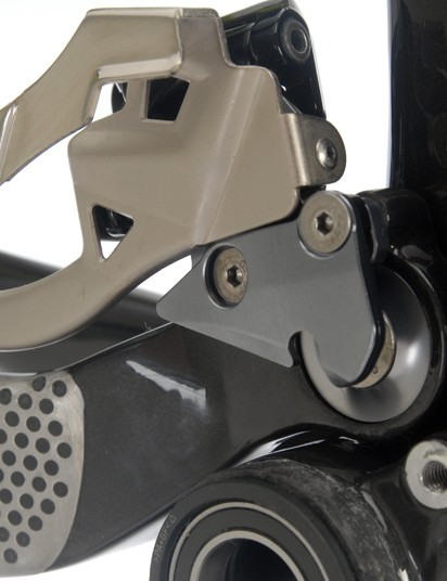 Front derailleur attach directly to the swingarm