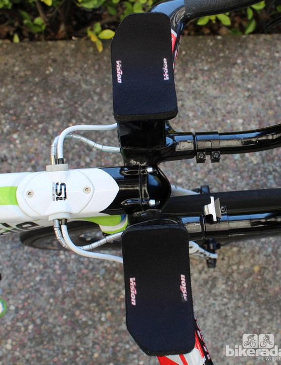 To the wind and to the eye, the stem and the top tube are one contiguous piece