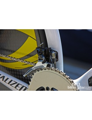 Janez Brazkovic (Astana) may be running a previous-generation SRAM Red front derailleur but he has the newer chain catcher attached