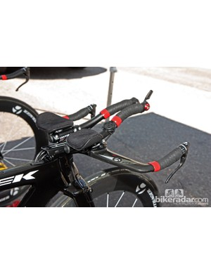 Bontrager-Livestrong's Trek Speed Concepts are equipped with proprietary carbon integrated aerobars