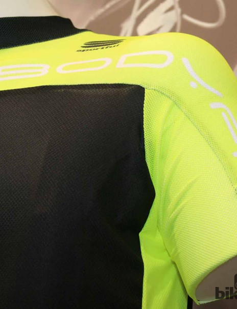 The texture of the fabric on the shoulders has made it Sportful's most aerodynamic jersey they've ever tested