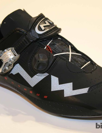 The Extreme shoe from Northwave comes in this matt black version for 2013. Like the Nerowhite, it has a 60g carbon sole and is Speedplay compatible