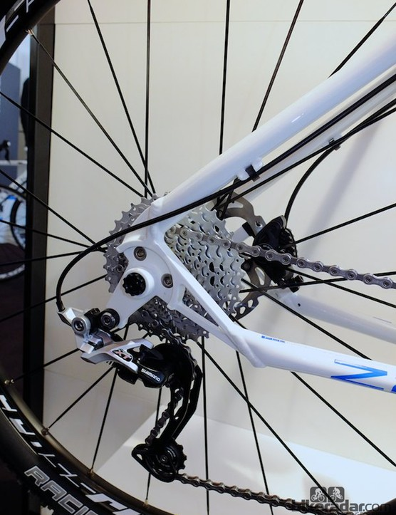This replaceable rear mech hanger on the Zero 2 Nine will save some costly damage to the aluminium frame. Well, we say costly, but the frame is priced at under 700 Euros