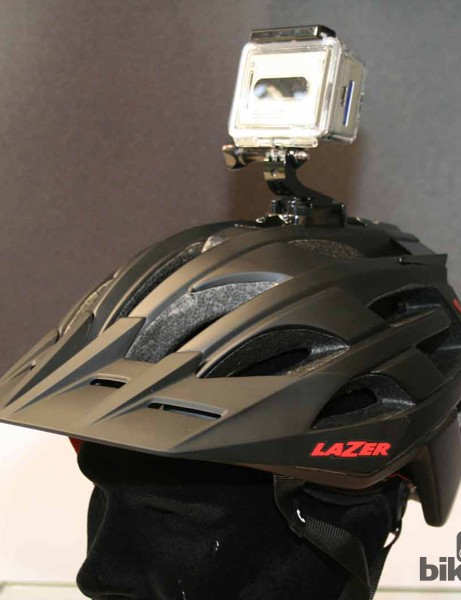 A GoPro-compatibile mount has been added to the Oasis mountain bike helmet. The innovation has won a Eurobike accessories award