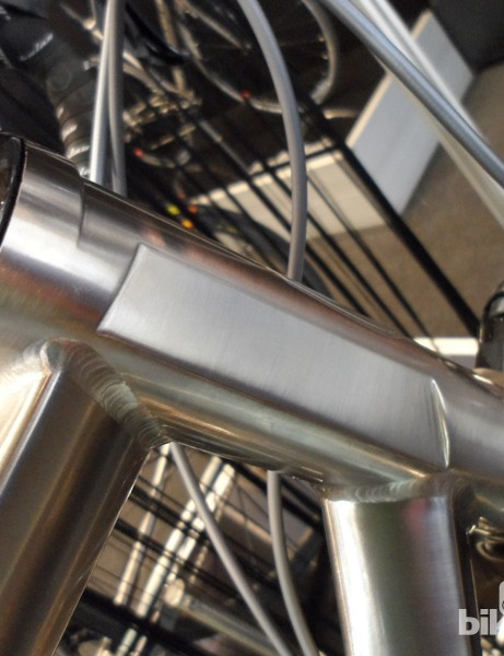 The hydroformed tubeset is joined by a tapered head tube design that's CNC machined to minimise weight