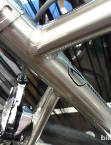 Highly tapered seatstays drop well below the seat tube junction