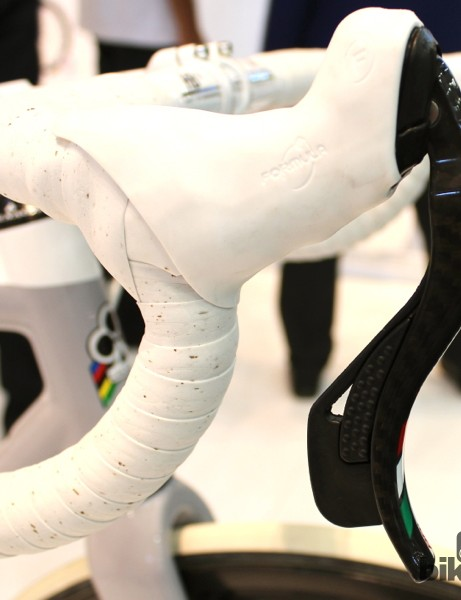 The new improved C59 Disc Formula shifters, with wider paddles