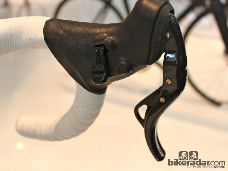 The inside of the C59 Disc Campagnolo EPS Formula shifter