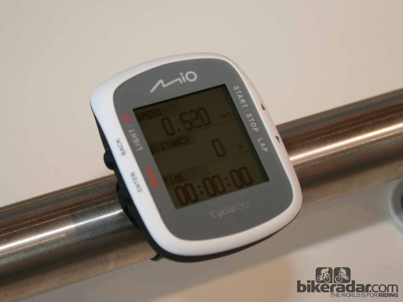 The Cyclo 100 is Mio's entry level computer, recording time, speed, distance, height and calorie consumption, as well as tracking with its in-built GPS.