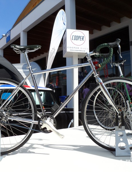The Cooper Avus was the only road bike on show at Eurobike 2012 with electronic shifting Alfine hub gears