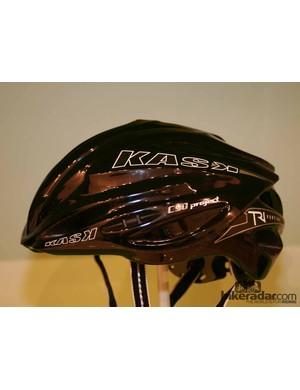 The black version of the Tri Vertigo helmet