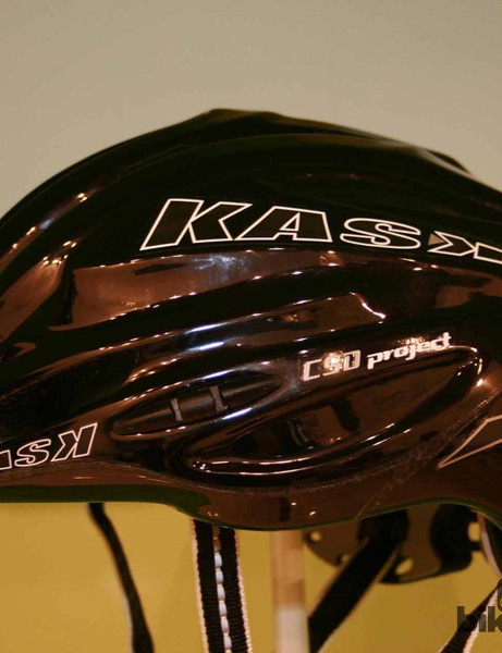 The black version of the Tri Vertigo helmet
