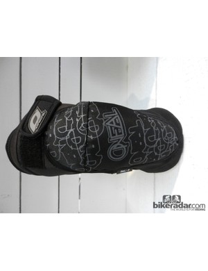 The O'Neal AMX Zipper knee pad uses SAS-TEC's SC-1 foam padding for a blend of protection and comfort
