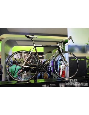 The 2013 Cannondale SuperSix EVO Hi-Mod Dura-Ace comes with a Shimano Dura-Ace mechanical group, Mavic Ksyrium SLS alloy clinchers and Cannondale's own SiSL crankset for US$7,990