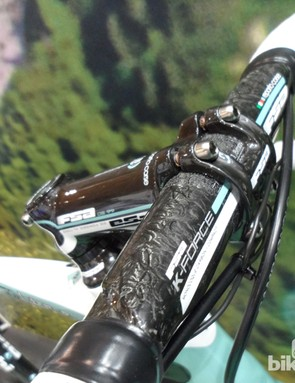 Special edition Bianchi Celeste FSA K-Force carbon finishing kit on the XR