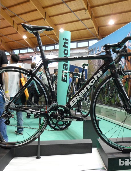 The revamped Sempre now features full internal cable routing that's both mechanical and electronic compatible