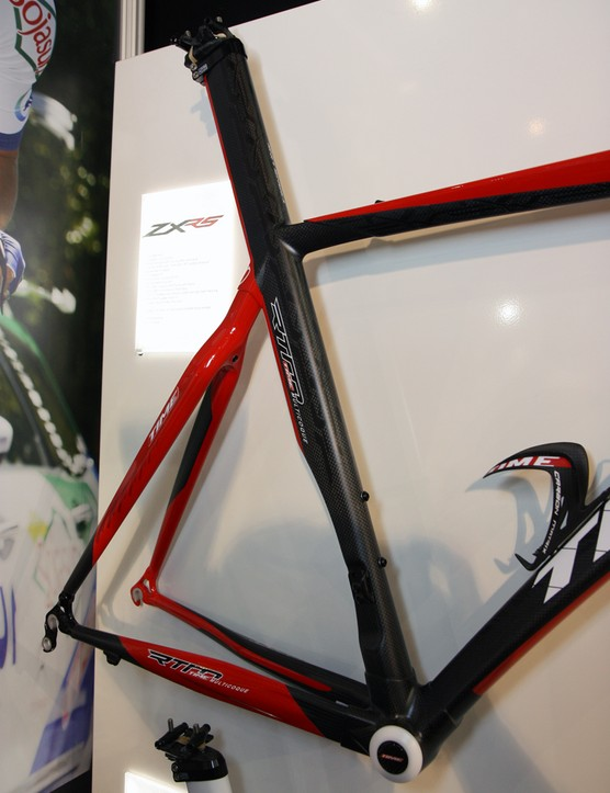The seat tube and seat stays of the new Time ZXRS are molded as one section, while the bottom bracket shell and chain stays are built as another