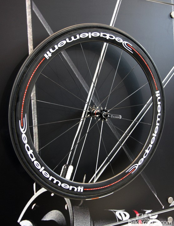 Deda's top wheel offering for 2013 is the WD45CTU, with 45mm-deep carbon tubular rims