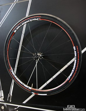 The Deda WD30CTU is the company's lightest road wheelset, with a claimed weight of 1,140g