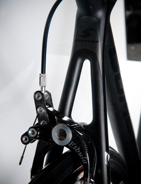 The high-end Comet SL5.0 features the latest SRAM Red for a tiny touch of colour