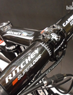 Top of the range Superlogic carbon features in the Ventoux handlebar