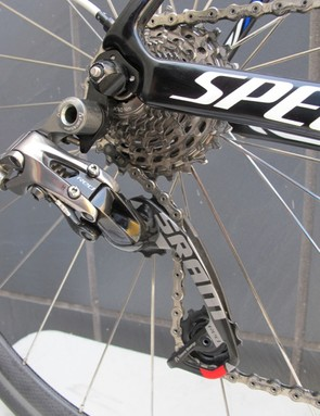 The Red WiFli derailleur works with cassettes with cogs as large as 32-teeth