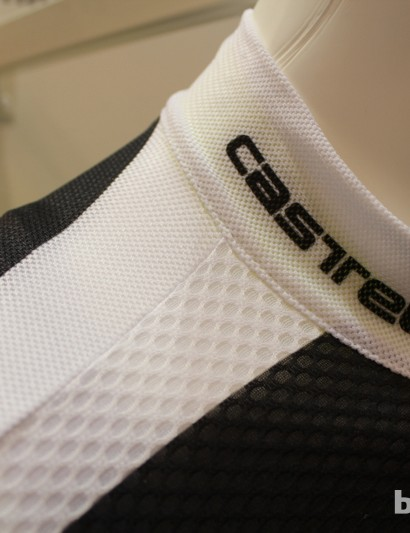 Superlight fabric offers breathability on the Climbers jersey, but the pockets don't sag as they do on Castelli's current hot-weather jersey, the Ultraleggera