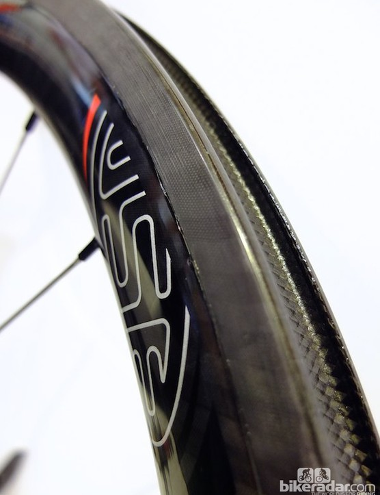 Close-up of the 4.5 clincher rim