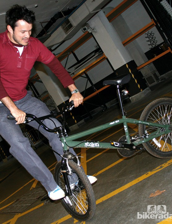 Freestyle BMX bikes will often have both front and rear stunt pegs, for tricks
