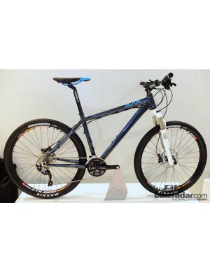 The Slade series consists of three 6061 alloy-framed hardtails, in the 650b format