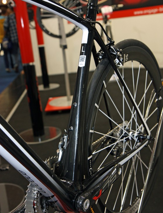 The down tube and seat tube on Engage's new e11 road frame flare dramatically as they approach the extra-wide BB386 EVO bottom bracket shell, for extra stiffness