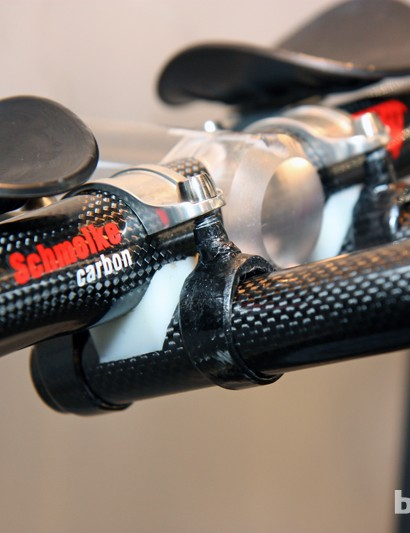 Schmolke's carbon fiber aero clip-ons are about as barebones as you can get