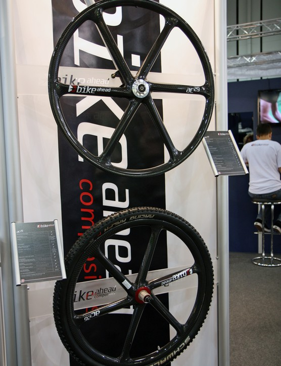 German company Bike Ahead Composites showed these ultralight molded carbon fiber wheels at Eurobike. Claimed weight for the 26in clincher set is just 1,279g while the 29ers add only 100g. Naturally, tubular versions are offered as well
