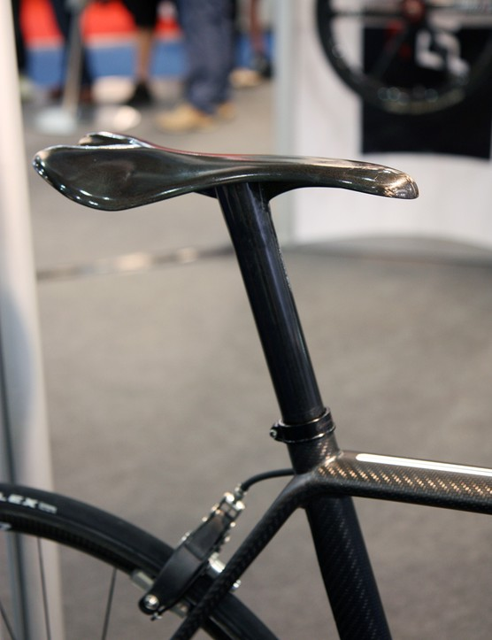 The one-piece carbon fiber seatpost and saddle obviously doesn't offer any fore-aft adjustment, but it's ultralight