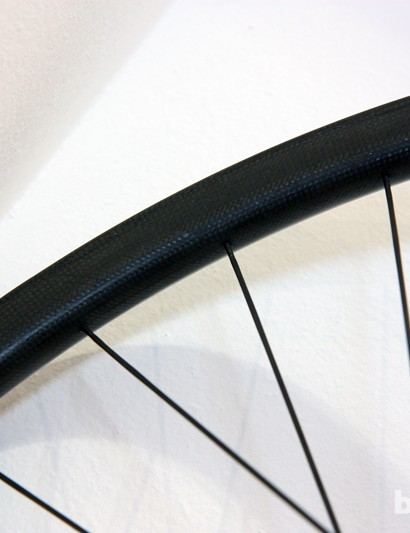 Carbon-Ti builds its new mountain bike wheels with Stan's NoTubes rims or its own carbon fiber hoops, molded in Italy
